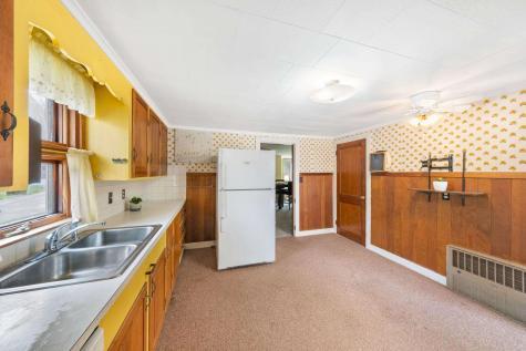 68 Ridgewood Avenue Gilford NH 03249