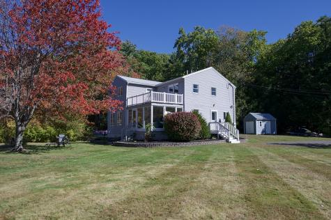 17 Brown Avenue Sandown NH 03873
