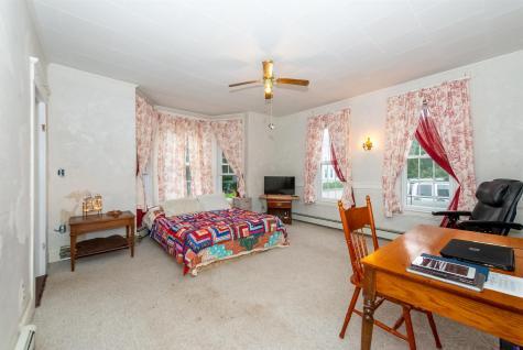 32 Mount Vernon Street Somersworth NH 03878
