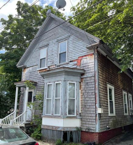 5 Moores Court Rochester NH 03867