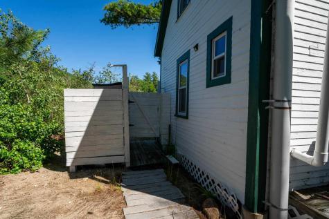2 Woodmans Cove Island Alton NH 03809
