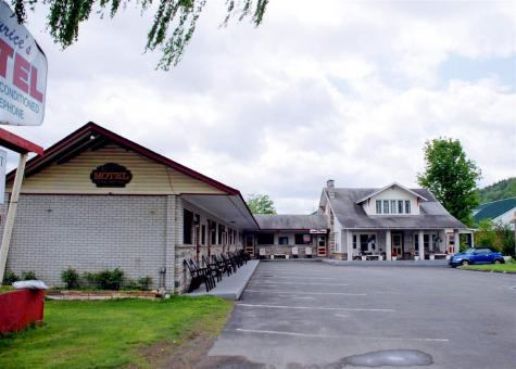 125 Gale Canaan VT 05903