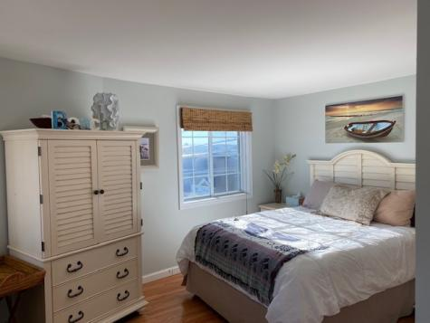 6 Ashworth Avenue Hampton NH 03842