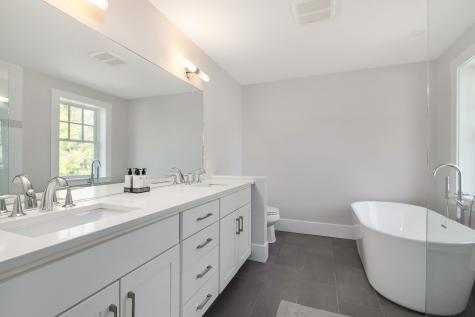 142 Mill Pond Way Portsmouth NH 03801