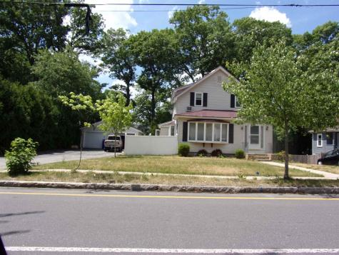 832 MAPLE Street Manchester NH 03104