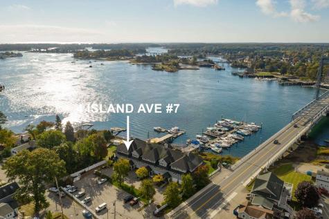 4 Island Avenue Kittery ME 03904