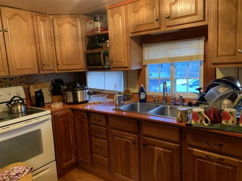 8 RILEY Avenue Rochester NH 03867