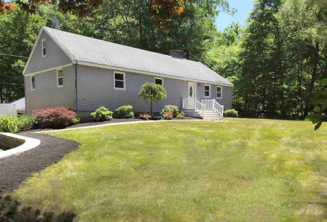 75 Whittier Street Newton NH 03858