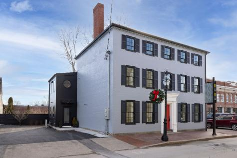 206 COURT Street Portsmouth NH 03801