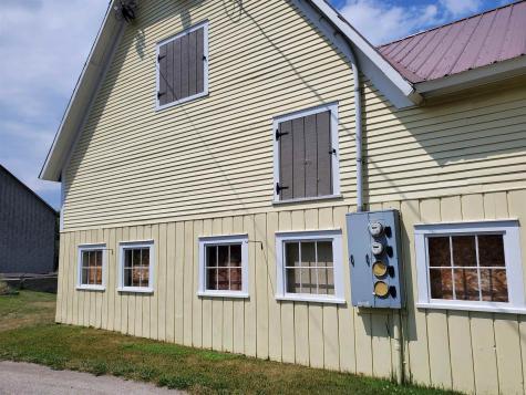 124 US Route 105 Newport Town VT 05847