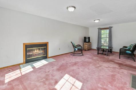 29 Chase Brook Circle Litchfield NH 03052