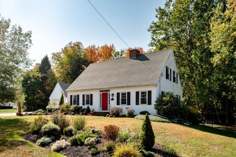 11 Wentworth Avenue Rochester NH 03867