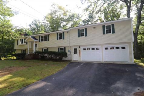 8 Pleasant Drive Londonderry NH 03053