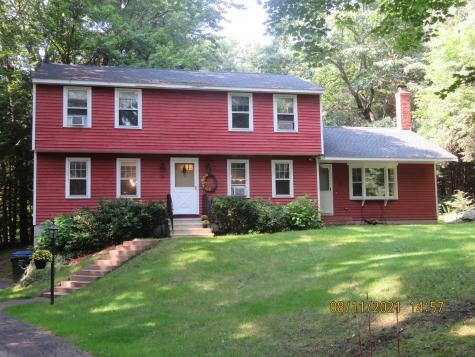10 Victoria Drive Londonderry NH 03053