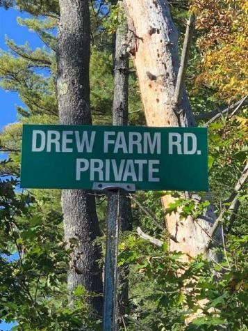 18 Drew Farm Brookfield NH 03872