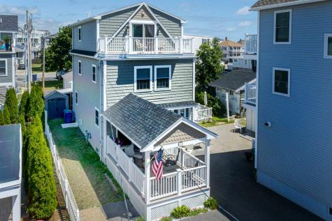11 Dover Avenue Hampton NH 03842