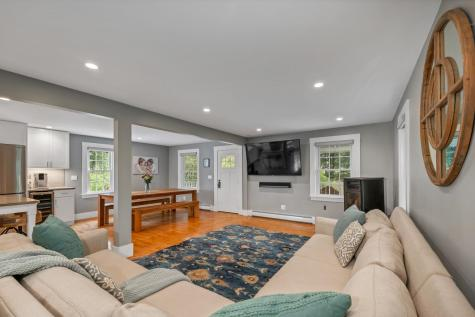 98 Old Post Road Kittery ME 03904
