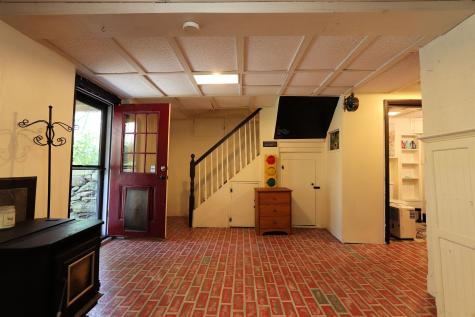 39 Pineapple Place Barnet VT 05821