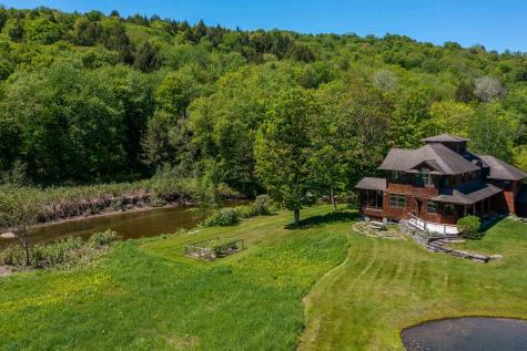 989 Moscow Road Stowe VT 05672