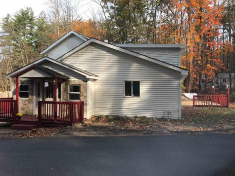 17 Lakeview Road Raymond NH 03077