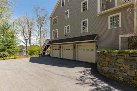 44 Waterloo Circle Dover NH 03820