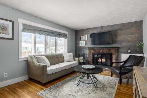 12 Suzanne Drive Portsmouth NH 03801