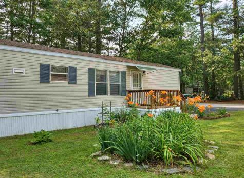 21 Colonial Village Somersworth NH 03878