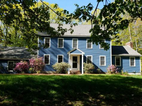 37 Geisser Road Hampstead NH 03841