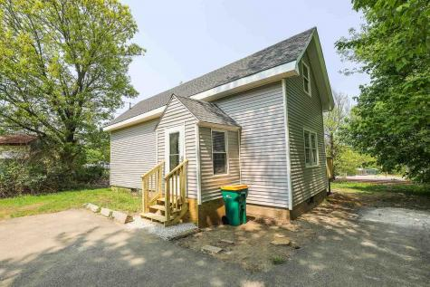 13 Old Wakefield Road Rochester NH 03868