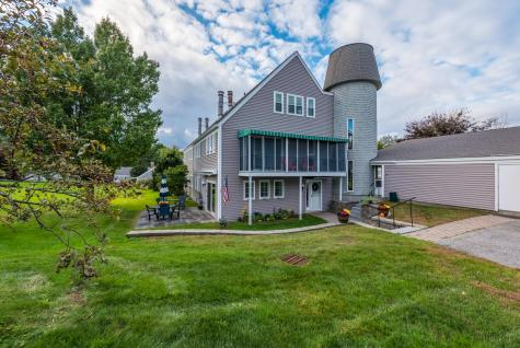 45 Hilltop Place New London NH 03257