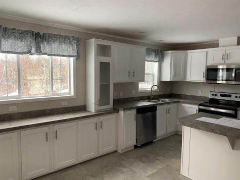 15 Cleo Circle Rochester NH 03868