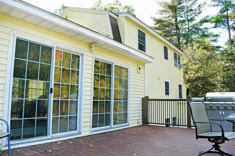 16 Ridgemont Drive Londonderry NH 03053