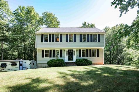 29 Jericho Road Kingston NH 03848