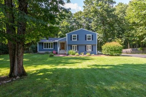 8 Ross Drive Londonderry NH 03053