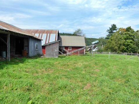 2015 Creek Road Albany VT 05820