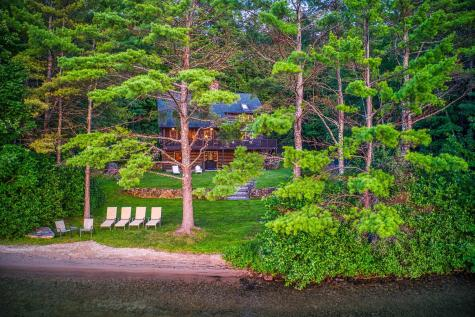 11 Squamasee Road Holderness NH 03245