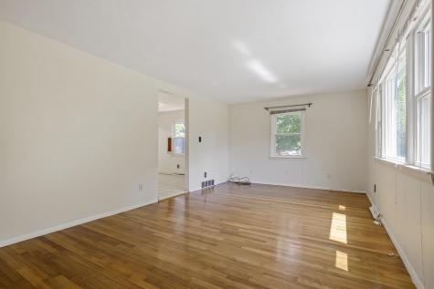 26 Suzanne Drive Portsmouth NH 03801