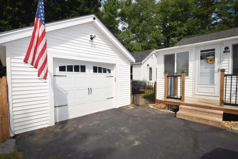 123 Chester Road Raymond NH 03077