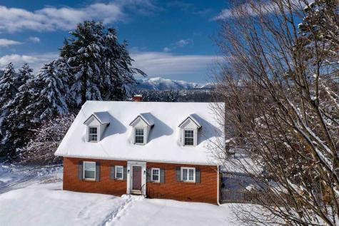 385 Maple Street Stowe VT 05672