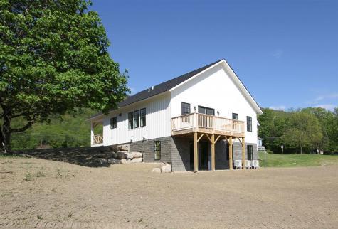19 Cottage Park Bristol VT 05443