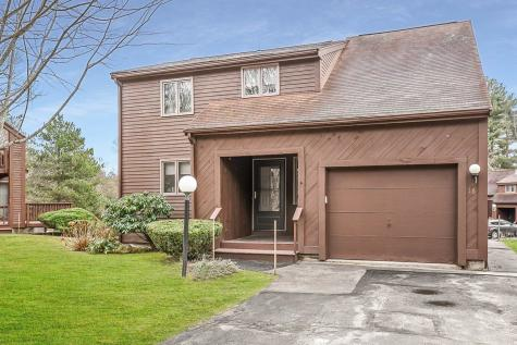 16 Gloucester Lane Nashua NH 03063