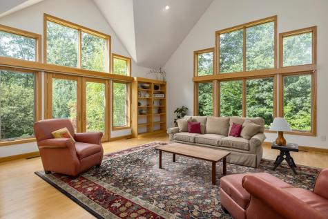 51 Willow Road East Kingston NH 03827