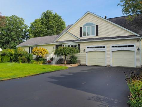 18 Huckleberry Lane Hampton NH 03824