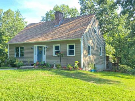 49 Willow Road East Kingston NH 03827