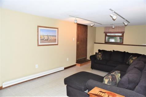 25 Crawford Avenue Exeter NH 03833