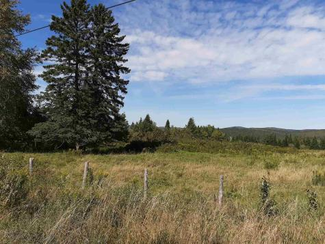 - South Hill Road Stewartstown NH 03576