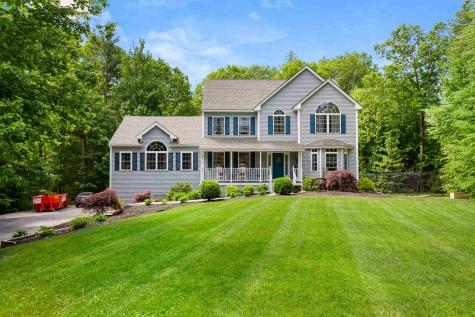 7 Squire Way East Kingston NH 03827-2147