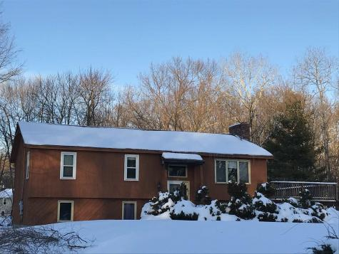 25 Emerald Drive Derry NH 03038