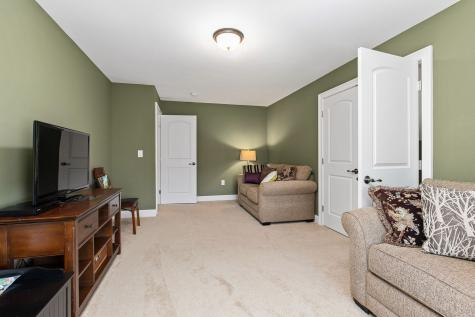 32 OLIVE MEADOW Lane Dover NH 03820