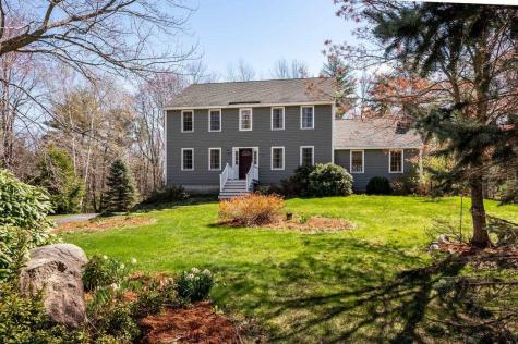40 Peabody Drive Brentwood NH 03833